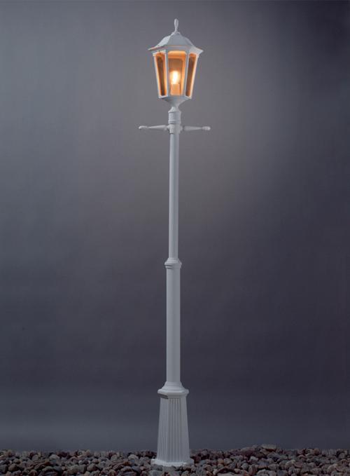 Plaza stolpelampe klassisk udendørslampe